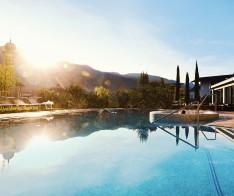 callwey-mindful-hotel schwarzschmied-poolanlage