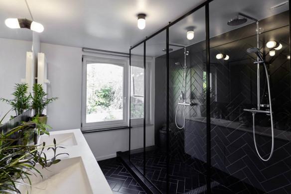Bad mit Doppel-Waschplatz