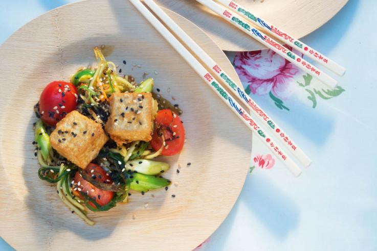 Gebackener Tofu mit Papaya Gemüsesalat