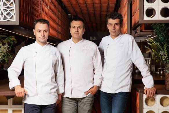 DISFRUTAR - Eduard Xatruch, Oriol Castro and Mateu Casañas