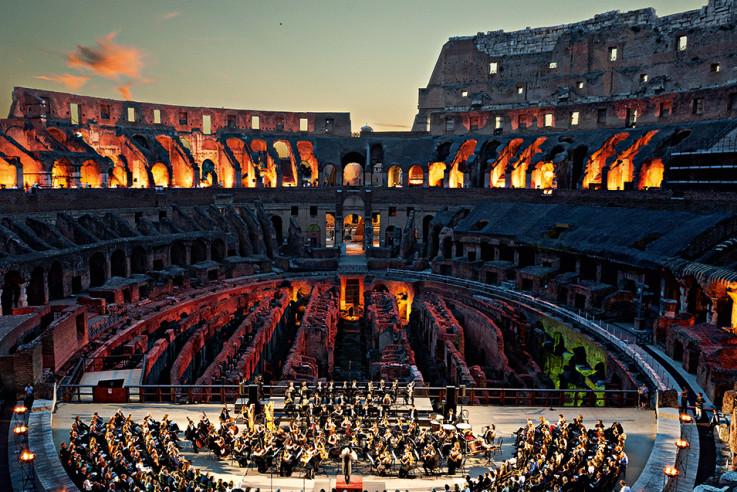 callwey-lufthansa-city-guide-rom-orchestra_colosseum