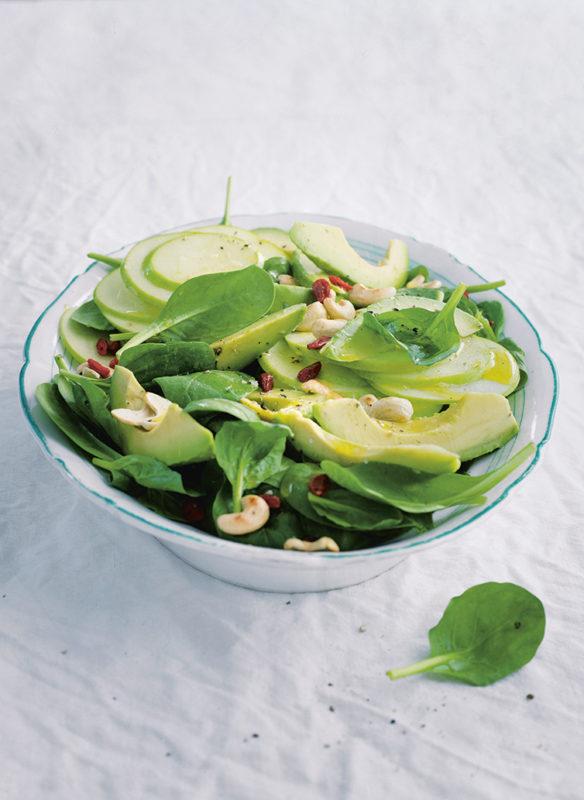 Bonisolli vegetarisch_6_Spinatsalat mit Avocado und Apfel