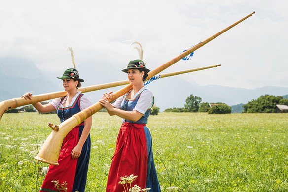 Zu Gast in Bayern_Alphornbläserinnen