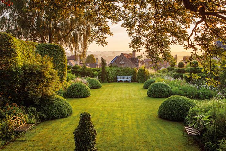 Englands schönste Gartenschätze_Greyhounds_Clive Nichols