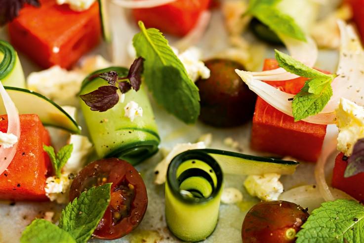 callwey-rezept-der-woche-tomaten-wassermelonen-gurken-salat