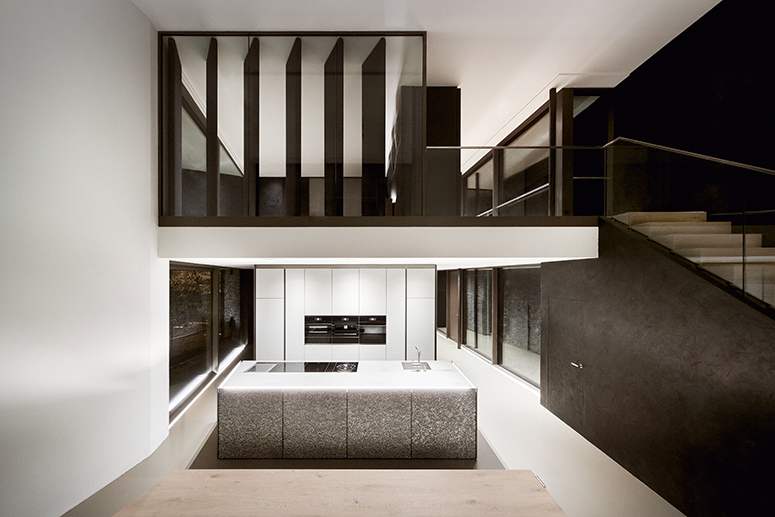 Haus-mit-Burgblick_13_Kuche-Schlafzimmer_01WEB