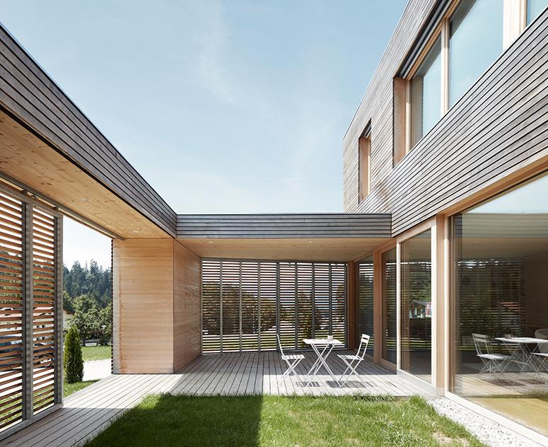 Hofhaus in Sebi_Hofansicht WestWEB