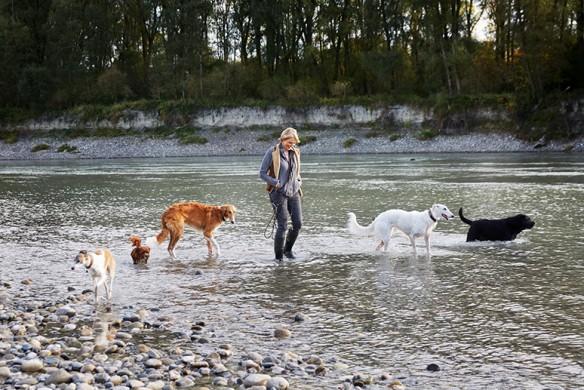 Reportage bei Katharina von der Leyen für die DOGS fotografiert