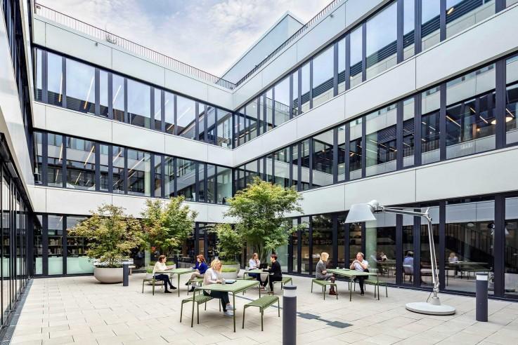 [Best-Workspaces]-[HPP]-[Courtyard]